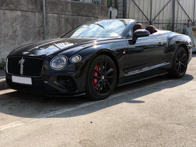 Cabriolet rental in Ostrava