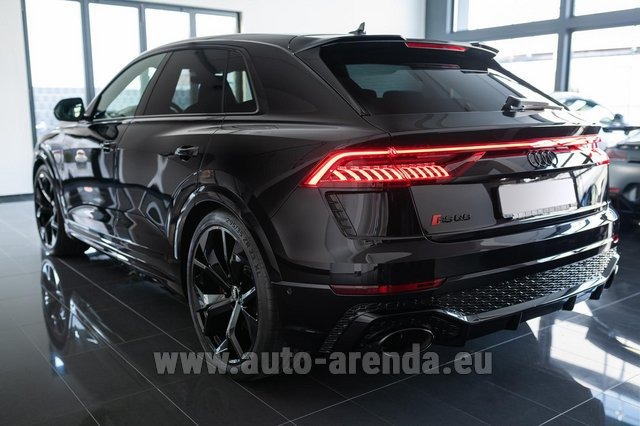 Rental Audi RS Q8 in Brno