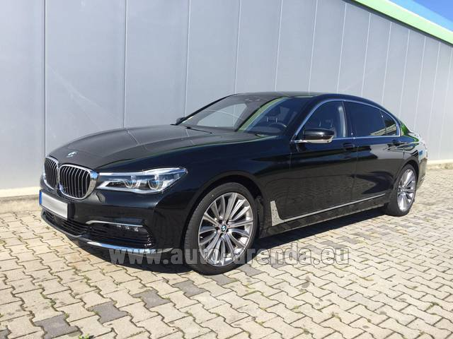 Rental BMW 740 Lang xDrive M Sportpaket Executive Lounge in Brno
