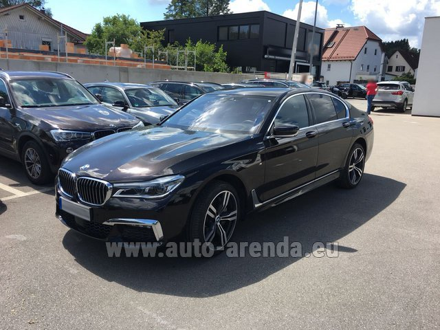 Rental BMW 750i XDrive M equipment in Brno