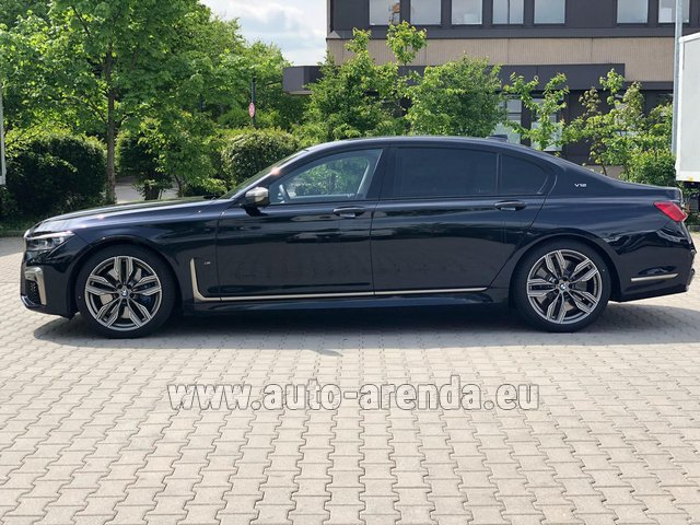 Rental BMW M760Li xDrive V12 in Pilsen