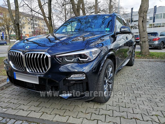 Rental BMW X5 xDrive 30d in Pilsen