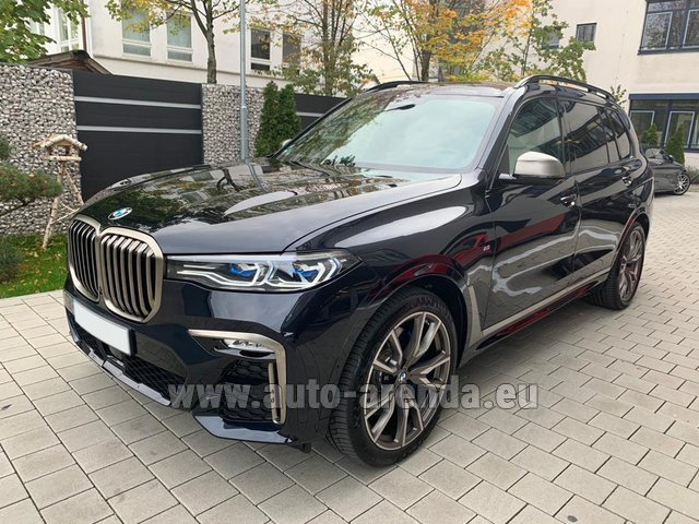 Hire and delivery to Prague Airport the car BMW X7 M50d