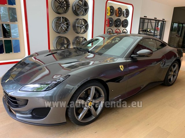 Hire and delivery to Prague Airport the car Ferrari Portofino