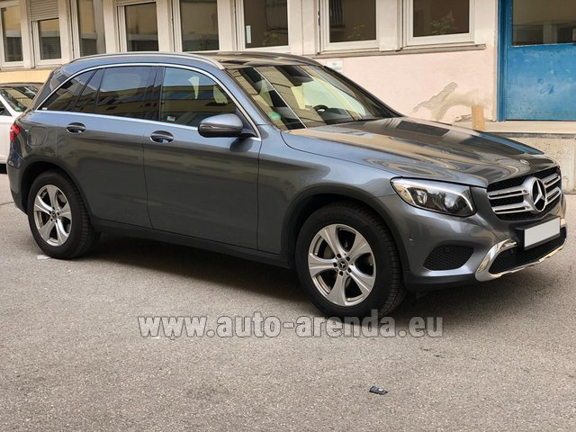 Hire and delivery to Prague Airport the car Mercedes-Benz GLC 220d 4MATIC AMG equipment