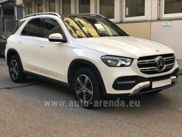 Rental Mercedes-Benz GLE 350 4Matic AMG equipment in Pilsen