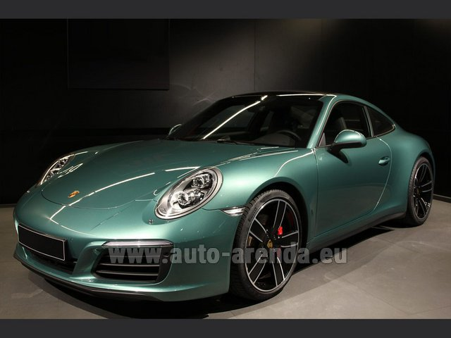 Hire and delivery to Prague Airport the car Porsche 911 991 4S Racinggreen Individual Sport Chrono