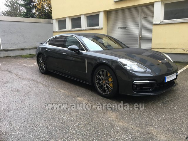 Rental Porsche Panamera Turbo Executive in Brno