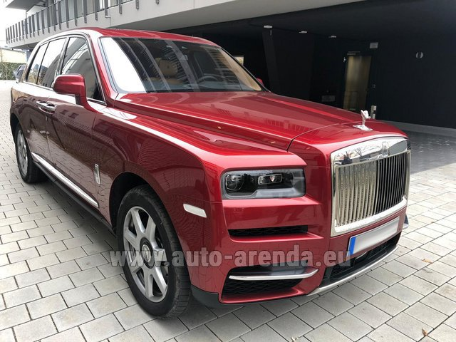 Rental Rolls-Royce Cullinan in The Czech Republic