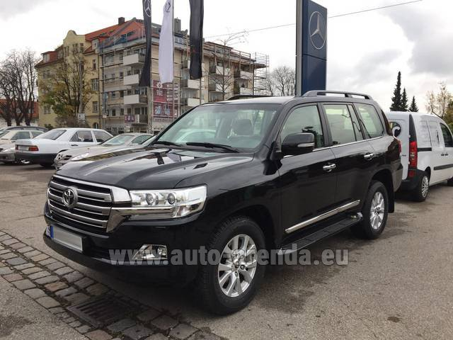 Rental Toyota Land Cruiser 200 V8 Diesel in Brno
